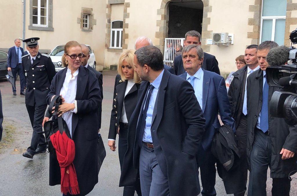 BRIGITTE MACRON ET CAROLE BOUQUET EN VISITE A L'UAMJ DE ST MALO